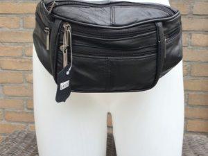 Heuptasje van mooie kwaliteit leder, middel groot zwart