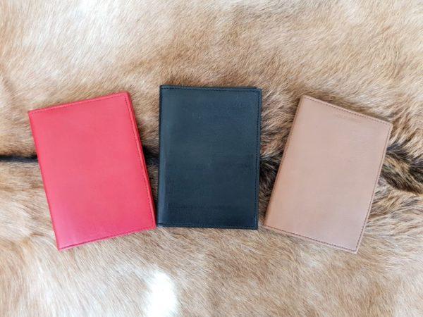 Lederen mapje voor paspoort en belangrijke documenten