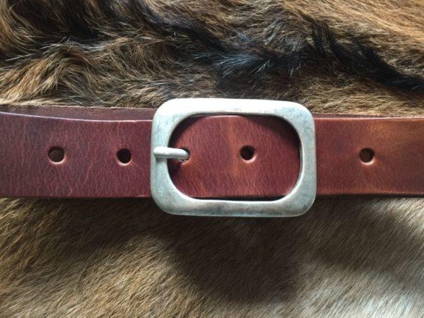 Hippe bruine riem met ronde gesp van rund leder, 4cm