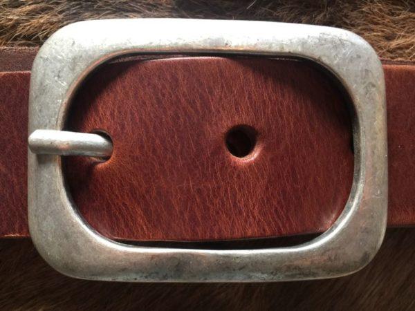 Hippe riem met ronde gesp van rund leder, 4cm bruin