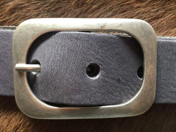 Hippe grijze riem met ronde gesp van rund leder, 4cm