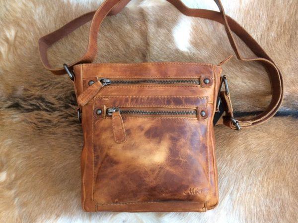 Nieuwe collectie Mooie lederen tas in mooie en neutrale kleuren