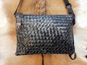 Nieuw in de collectie: Lederen gevlochten tas
