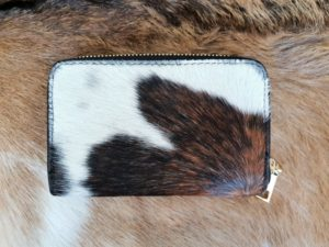 Super leuke dames portemonnee in mooie koeienhuid