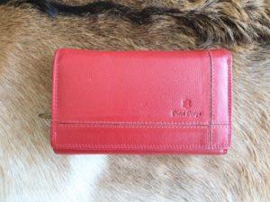 Ruime en overzichtelijke lederen dames portemonnee, rood