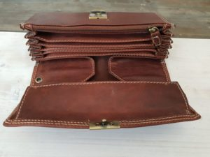 Luxe bruine lederen horeca portemonnee met groot muntvak