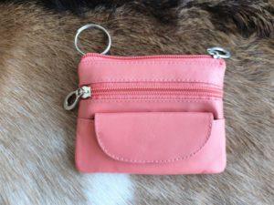 Lederen sleutelhanger met ijzeren ring, roze