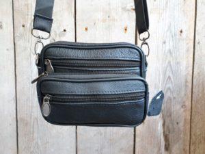 Compact lederen tasje breed, fijn van formaat, zwart