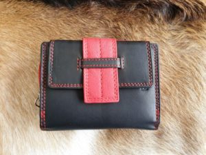 Compacte en toch ruime portemonnee in leuke kleuren, rood