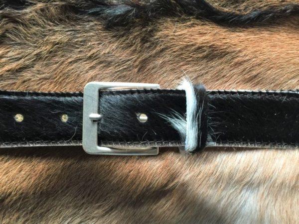 Lederen riem van bonte koeien huid, 4 cm breed