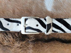 Lederen riem zebra van koeienhuid, 4 cm breed