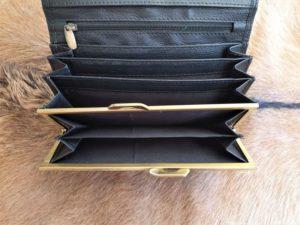 Zwarte lederen beugel portemonnee met knip sluiting