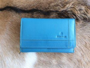 Ruime en overzichtelijke lederen dames portemonnee, aqua blauw