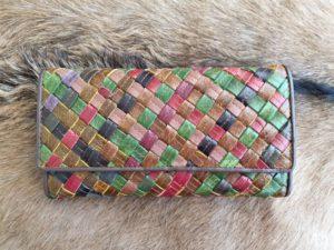 Ruime dames portemonnee gevlochten multicolor