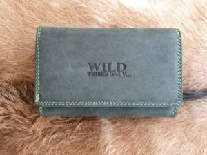 Wild tribes only, zwart groen, lederen dames portemonnee