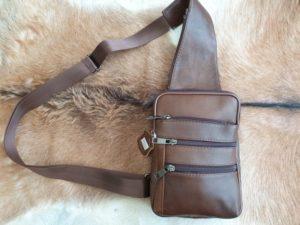 Leren crossover body bag, zijtas, kleur bruin