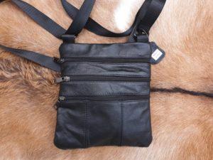 Leren hals- of nek tasje, met 4 rits vakken, Zwart