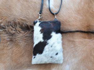 Telefoontasje, heuptasje, schoudertasje met rits koeienhuid